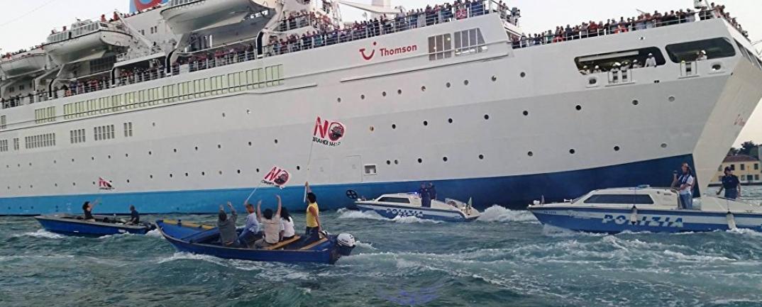 Venice Cruise Protest